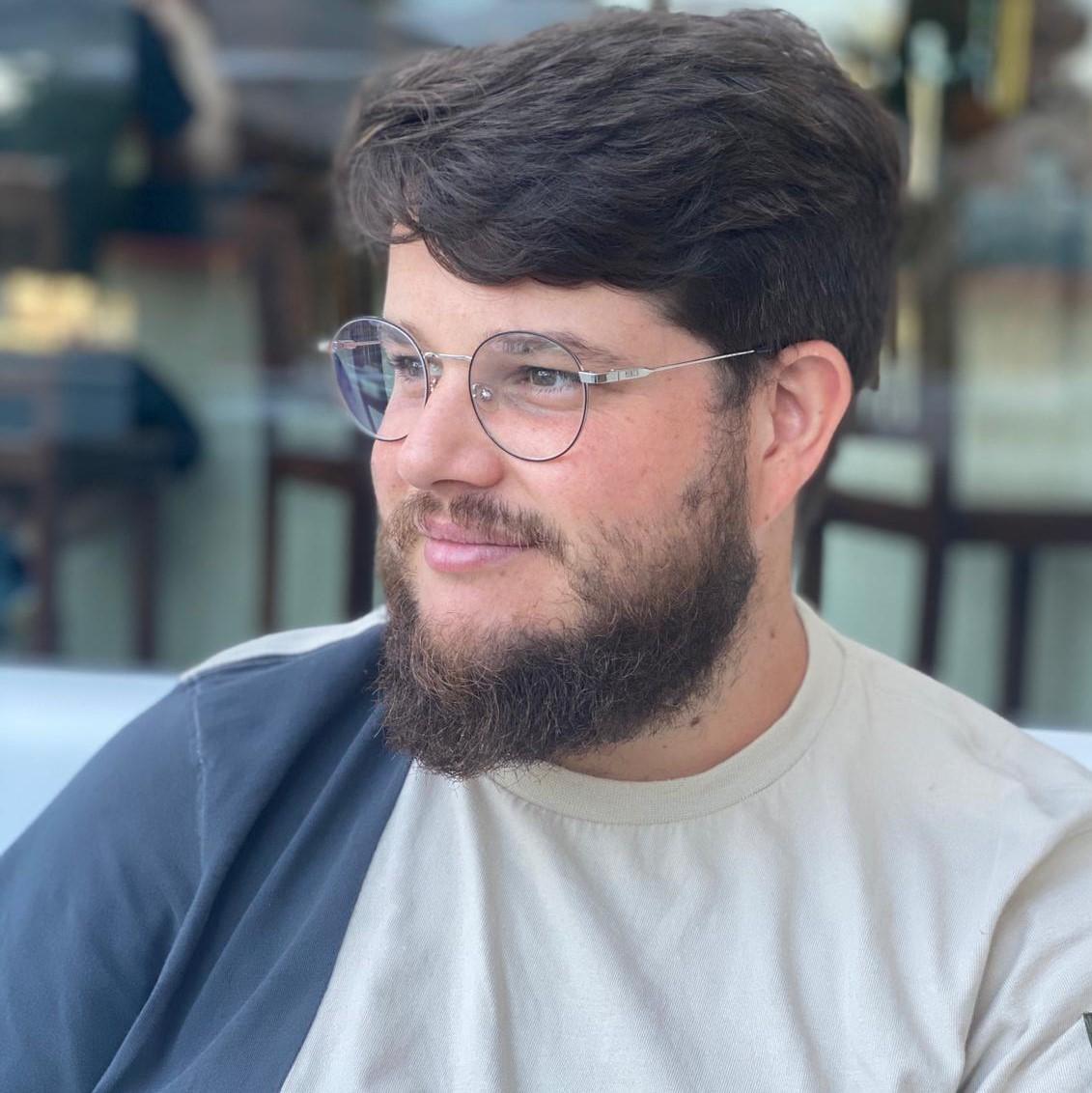 Alejandro Flores Pina